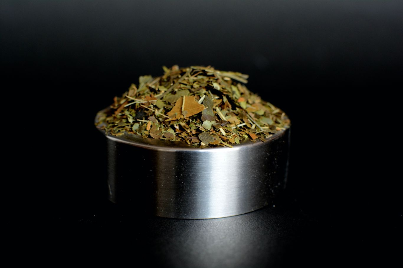"""loose leaf blend of guayusa and lemongrass of the best quality"""