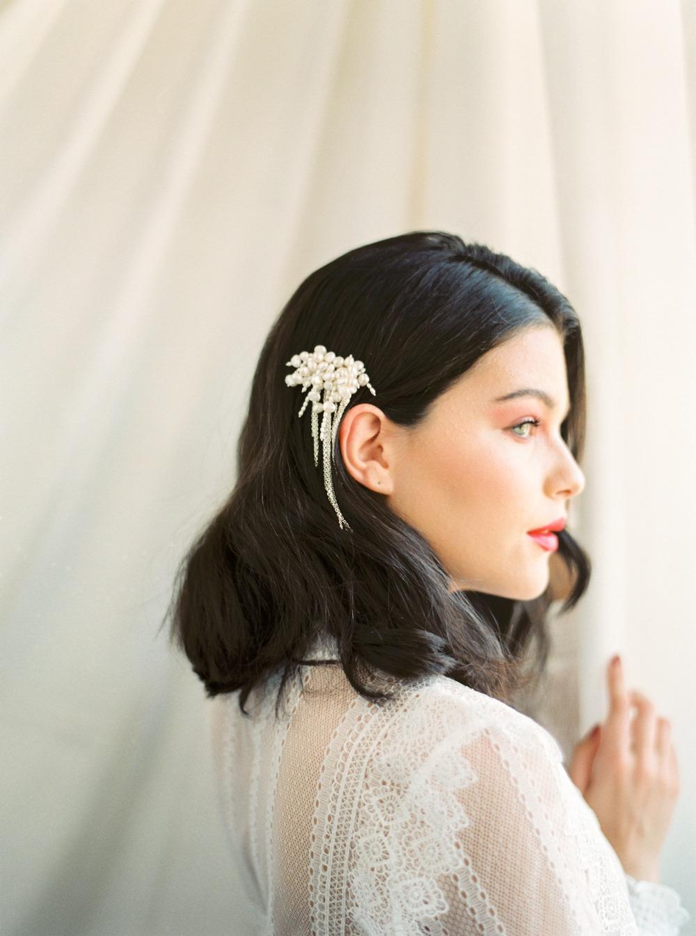 wedding hair idea for bride with short hair