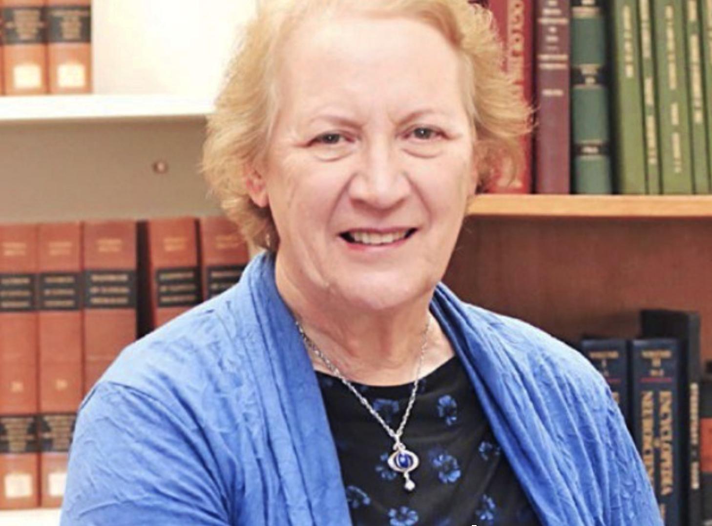 Dr Elizabeth McCusker