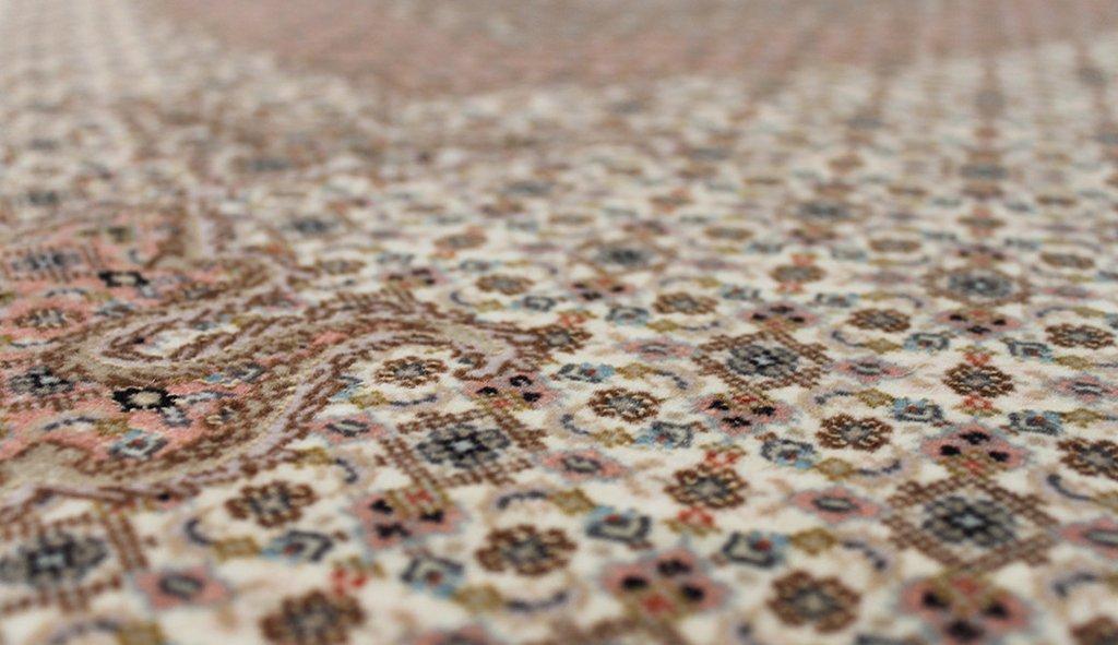 SILK & FINE RUGS Artisan Carpets