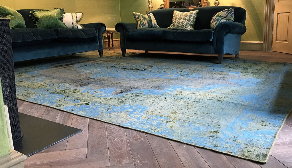 HANDMADE ANTIQUE AND VINTAGE PERSIAN CARPETS - Artisan Carpets