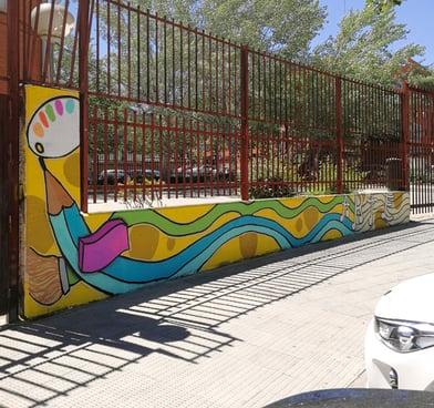 Elementos artísticos en fachada exterior