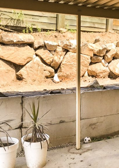 Concrete retaining wall, Sandstone retaining, Wall, levelling, drainage