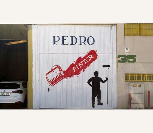 Decoración de portón de nave industrial Pedro pintor