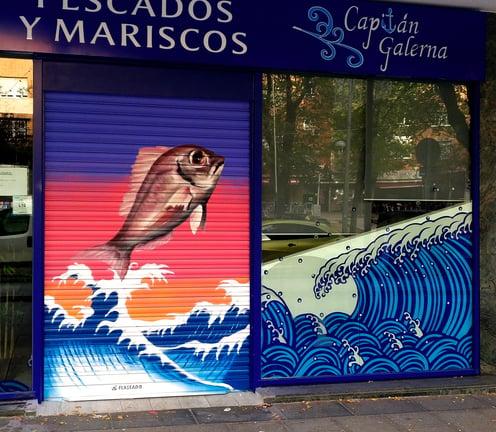 Graffiti cierre local pescadería