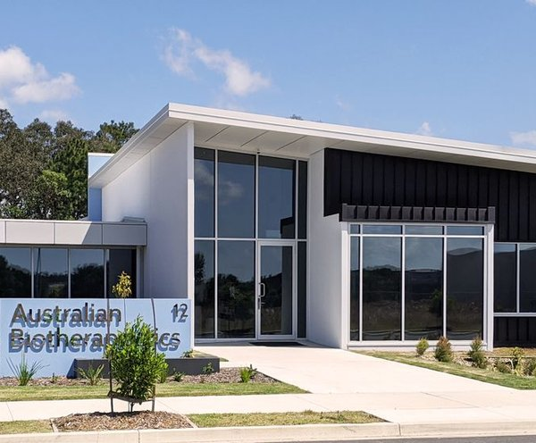 """alt=""""coolum research facility full height glass"""""""