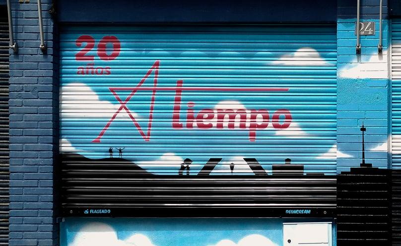 Graffiti cierre local asociación atiempo